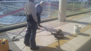 埼玉県久喜市某所新築床タイル洗い